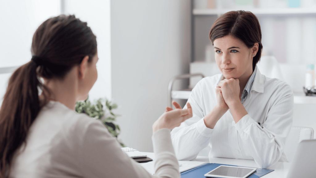 ¿Las mujeres también deben ir al urólogo?