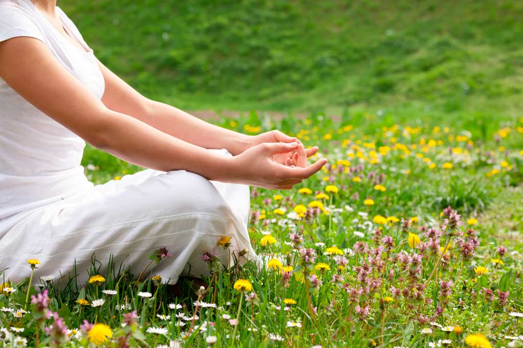 5 posturas de yoga para mejorar tu salud