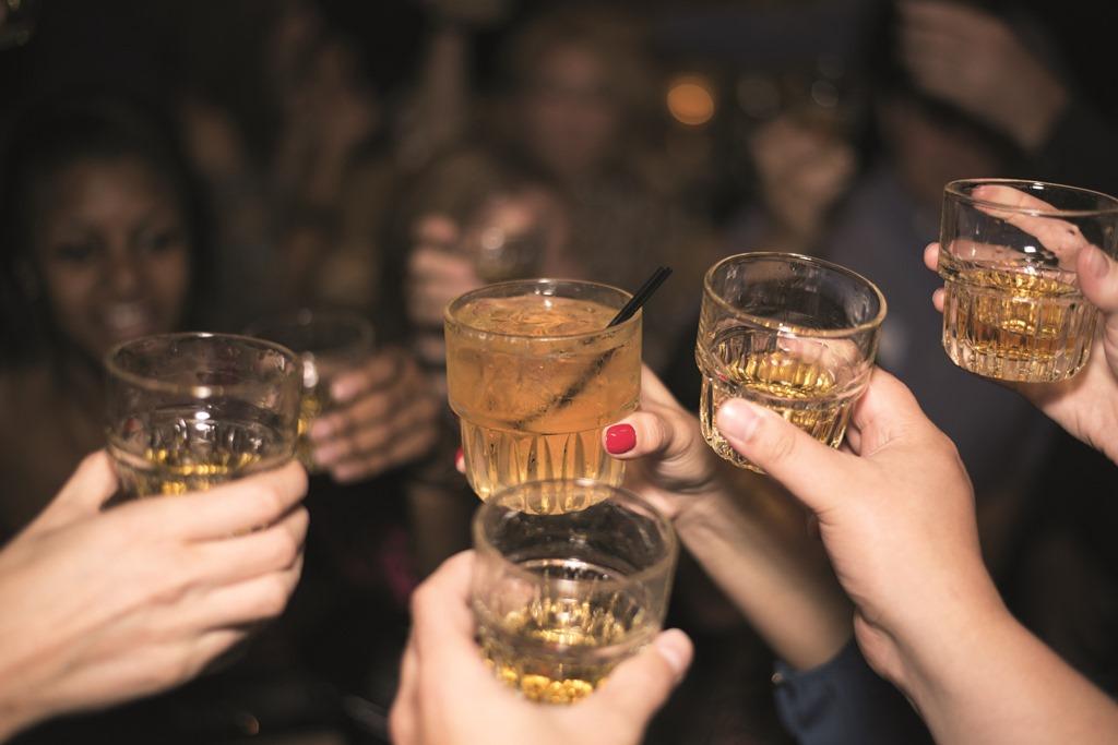 Peligros del consumo de alcohol en menores