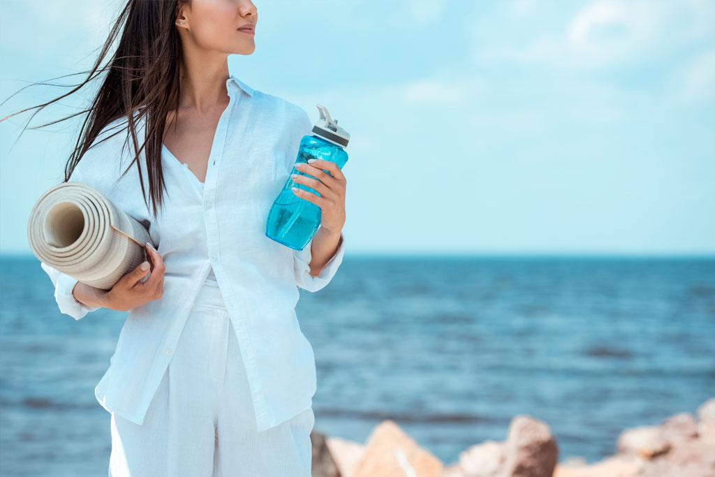 ¿Qué beneficios tiene beber agua para la salud?