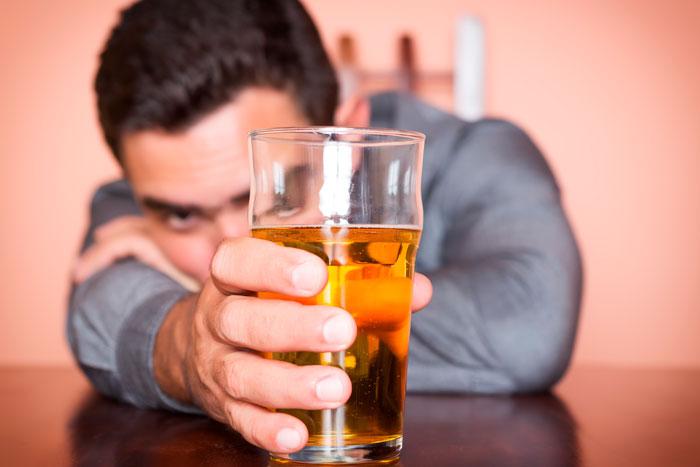 Cómo afecta el alcohol al cerebro