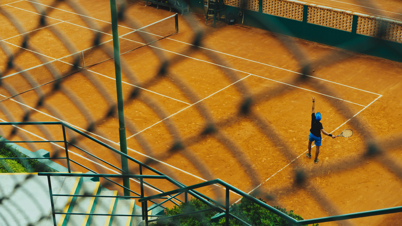 Codo de tenista: qué es y cómo evitarlo