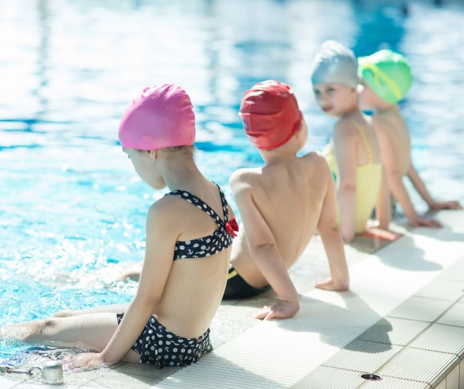 Ejercicios para iniciar en la natación a niños y niñas