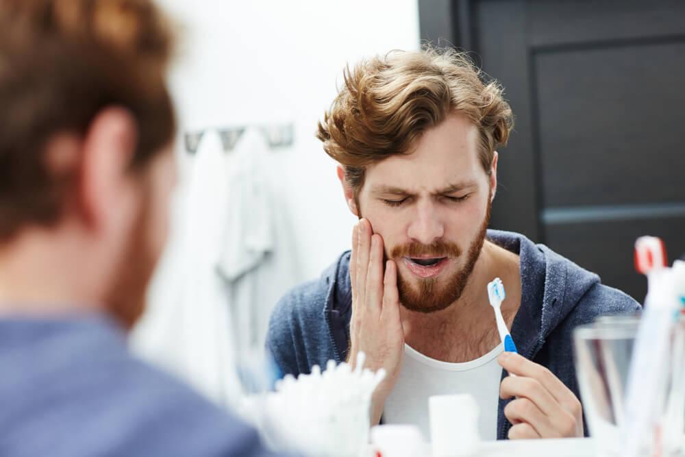 Fisuras dentales: tipos de grietas en los dientes y cómo tratarlas